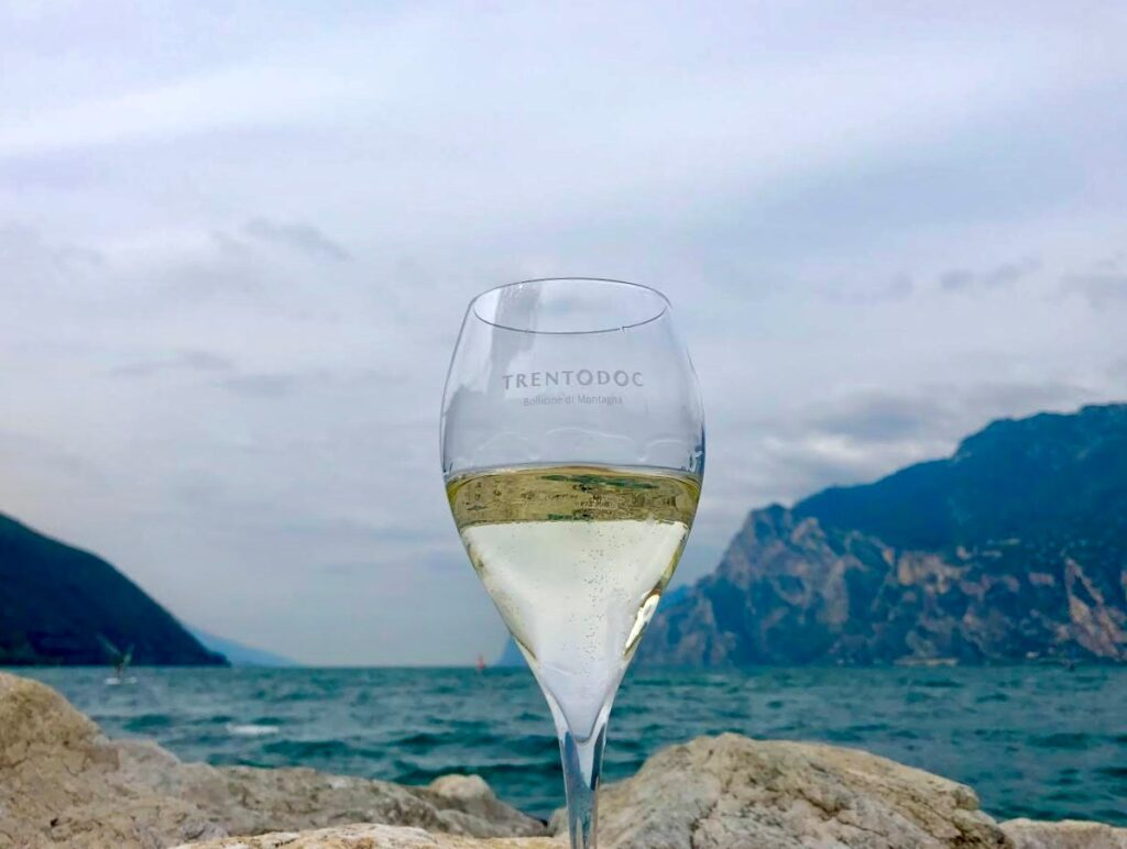 Итальянское игристое вино TRENTODOC